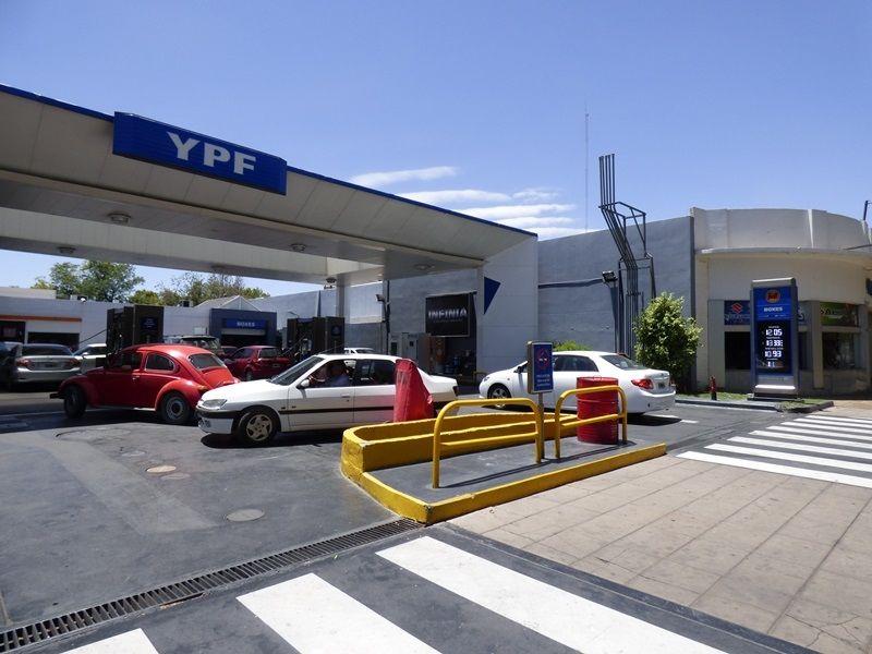 Aranguren confirmó que no habrá más aumentos de combustibles este año