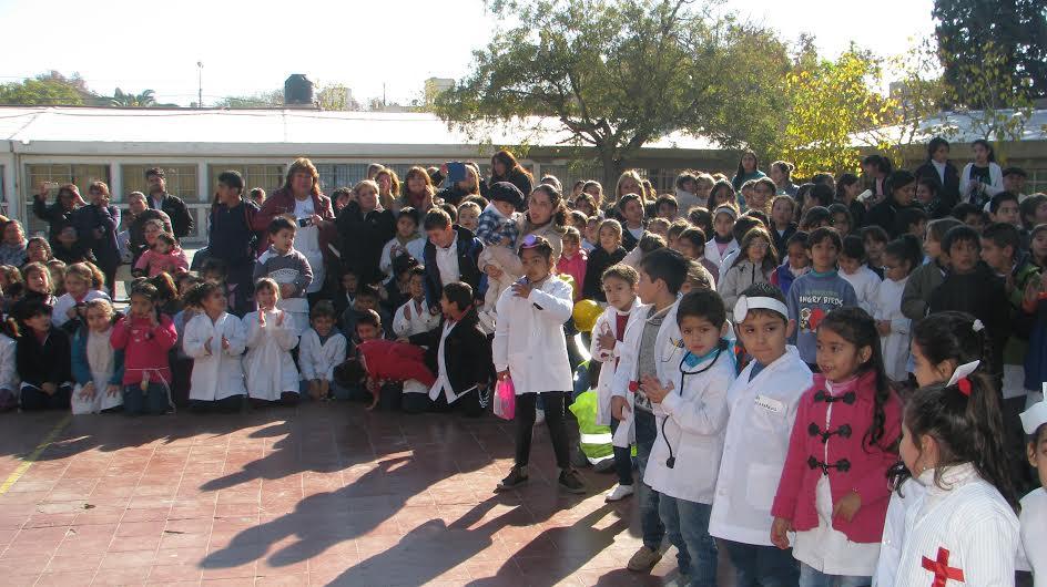 La comunidad educativa de la escuela superior sarmiento for Comunidad del sol