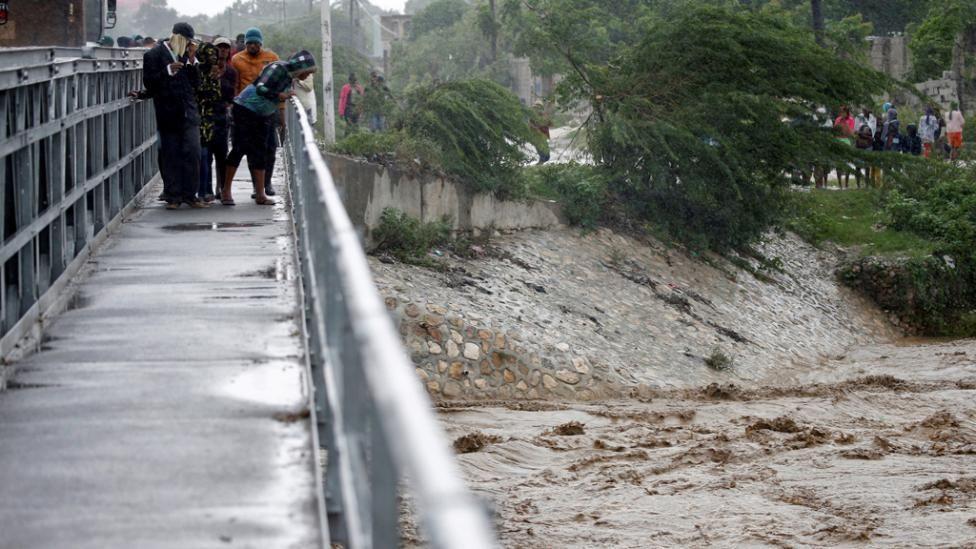 El sur de Haití aislado por el huracán Matthew