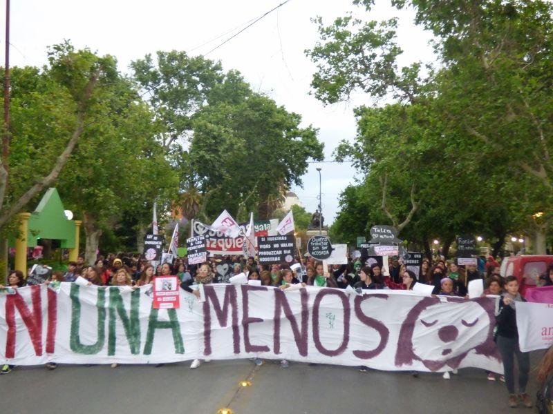 Miles de mujeres marcharon contra
