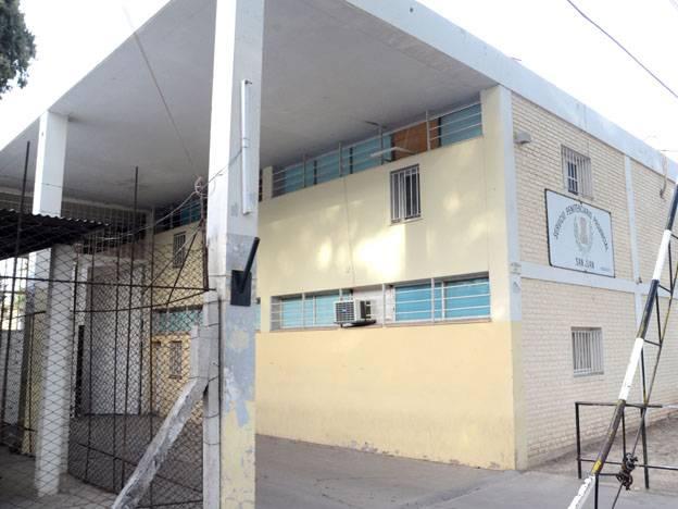 Penitenciarios quedaron detenidos por intentar ingresar droga al Penal de Chimbas