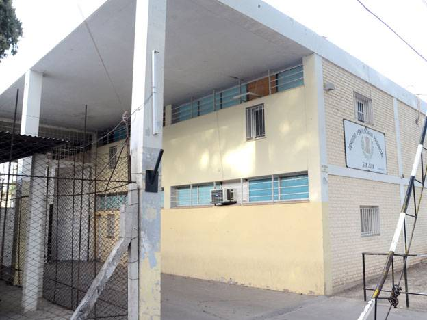 Detienen a tres penitenciarios porque les hallaron cocaína — Penal de Chimbas