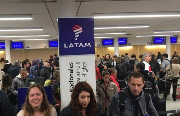 Aeronáuticos ratificaron el paro de mañana en LATAM