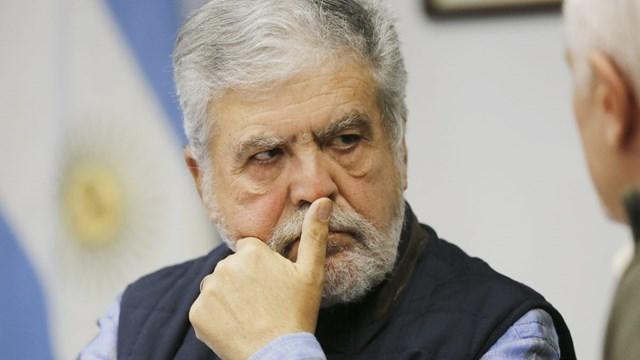 Encontraron 90.000 dólares en una caja fuerte del ex ministro De Vido