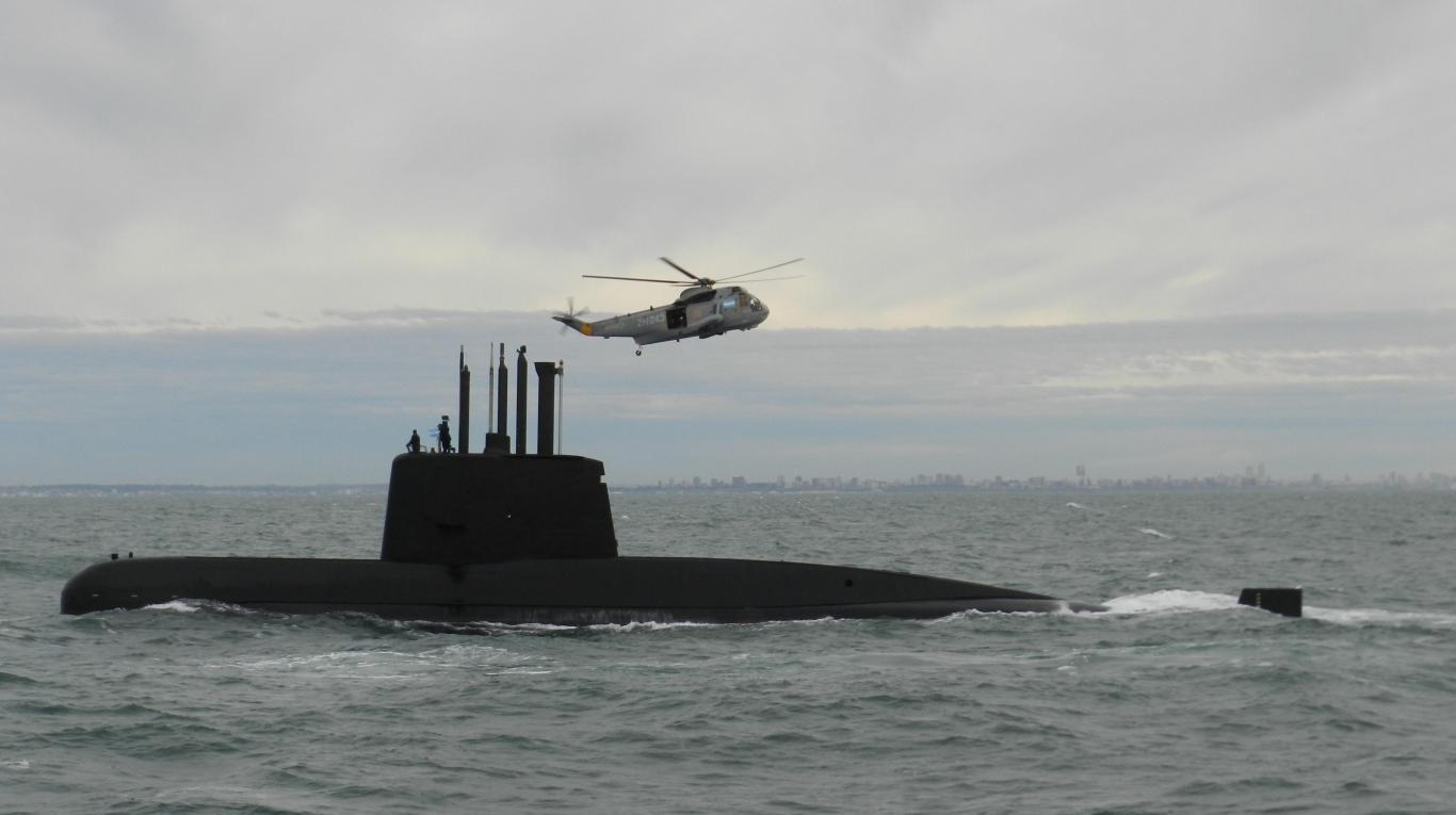 Reducen zona de búsqueda — Submarino