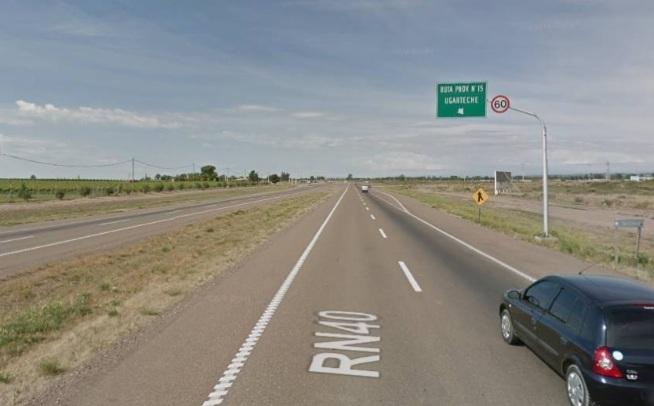 Un camión volcó en la Ruta 40 y murió el conductor