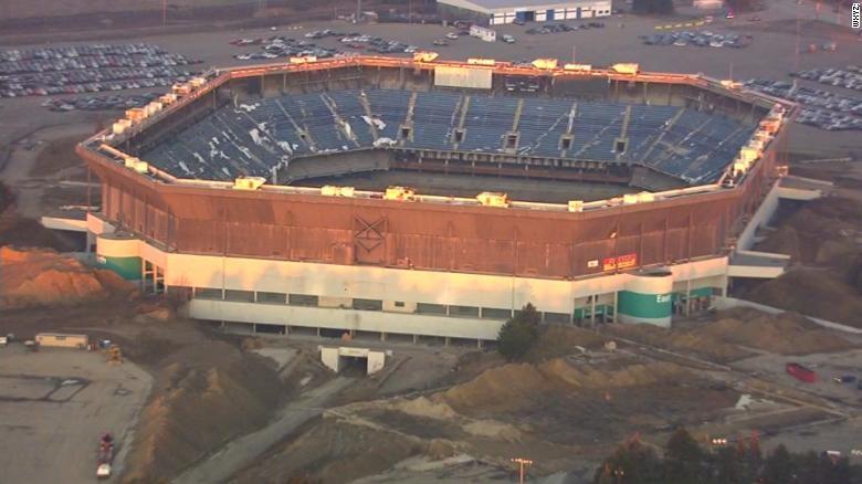 Quisieron demoler un estadio y quedó intacto — Implosión fallida