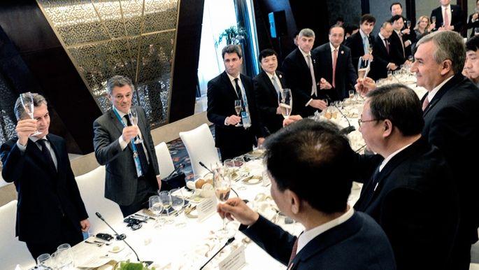 Presidente de Argentina llega a Japón de visita oficial