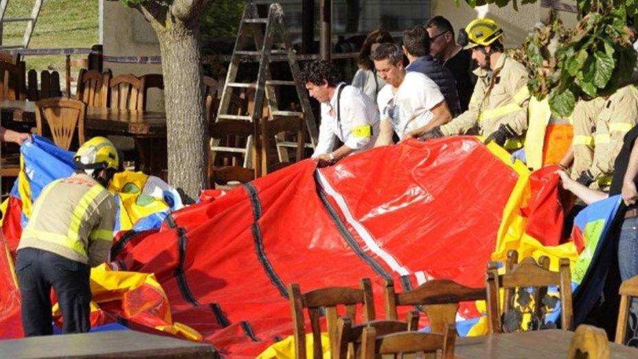 Una nena murió al explotar un castillo inflable