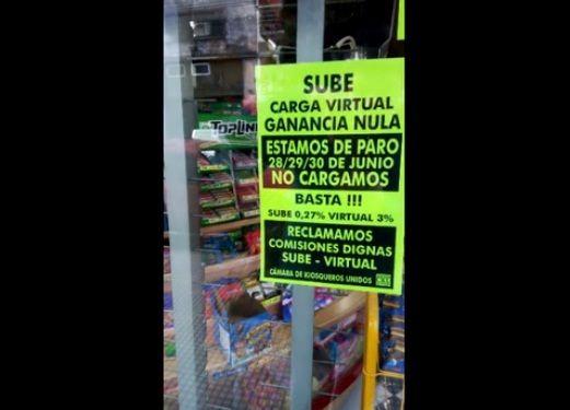 No cargarán tarjeta SUBE — Kiosqueros de paro