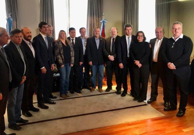 Vidal salió al cruce de los gobernadores del PJ