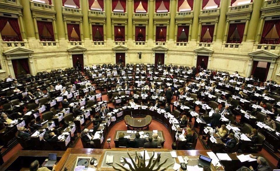 Diputados dan media sanción a un proyecto que reestablece los feriados puente