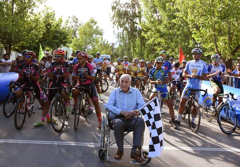 El legendario Ciro marcó el punto de partida del Tour San José ...