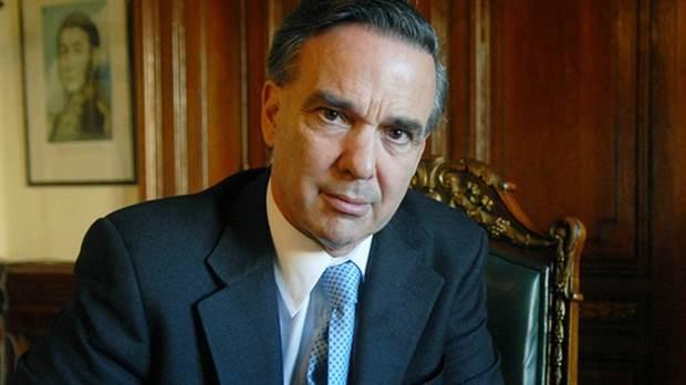 Pichetto pidió que la reforma laboral se trate en sesiones ordinarias
