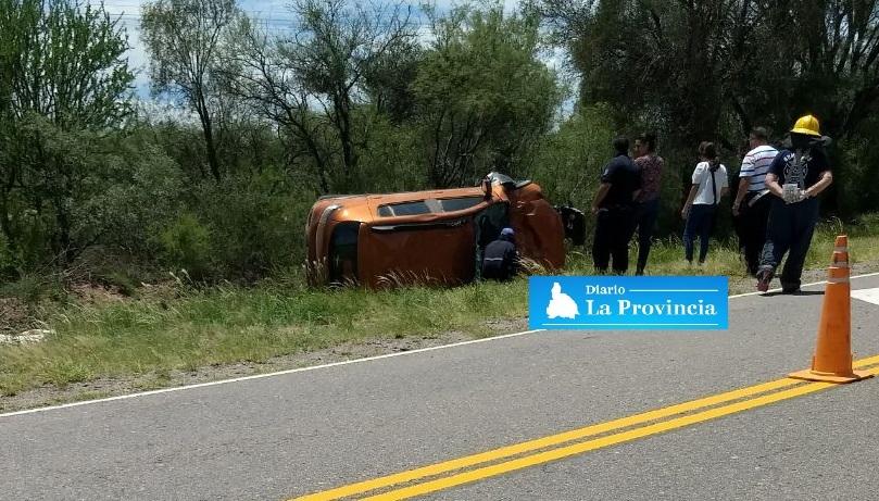 Una sanjuanina protagonizó un vuelco en La Rioja: murió su acompañante