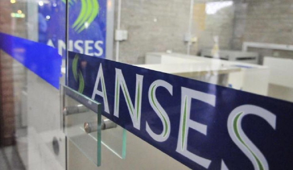 Analizan pagar un bono a los jubilados por la devaluación — Anses