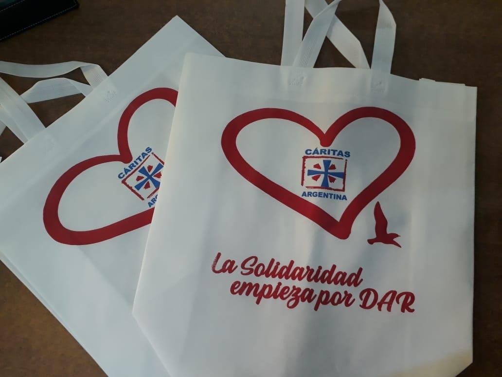 3a8786d7e Vendieron bolsas ecológicas para financiar tres proyectos solidarios · 7  fotos