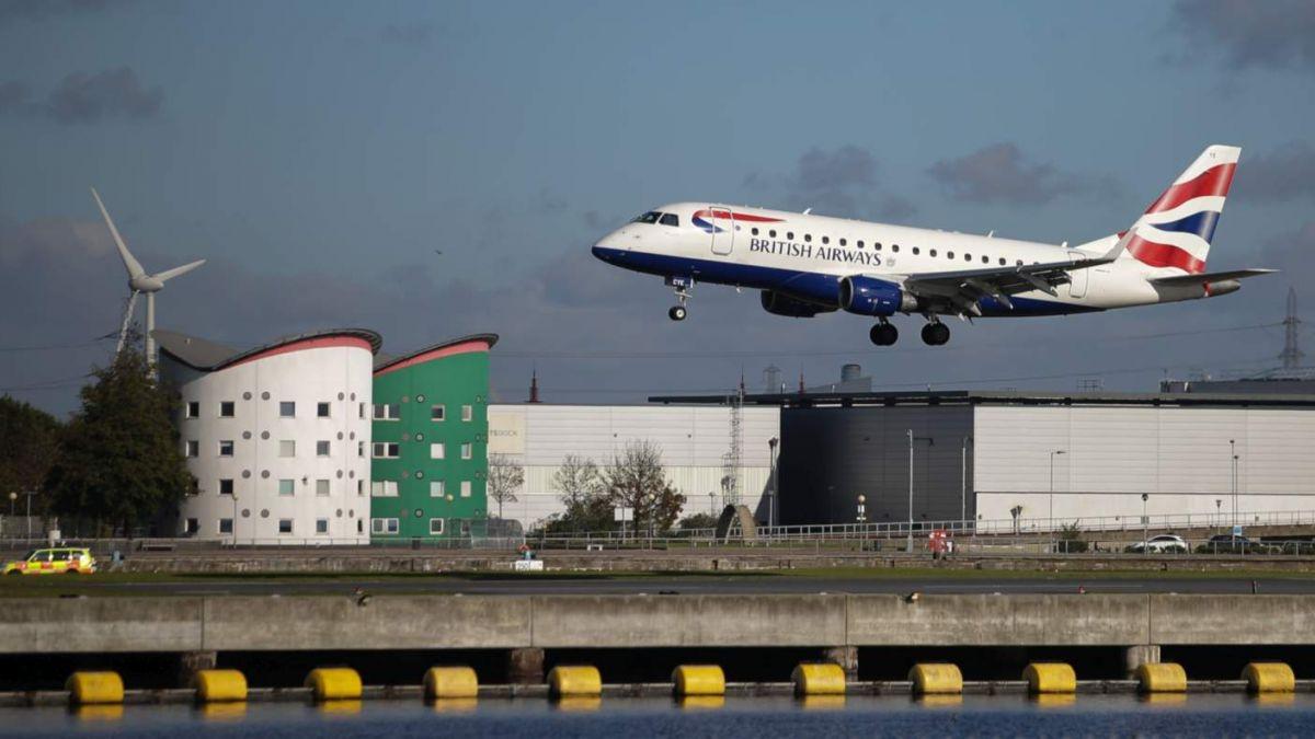 Londres: hallan una bomba de la II Guerra Mundial en el aeropuerto