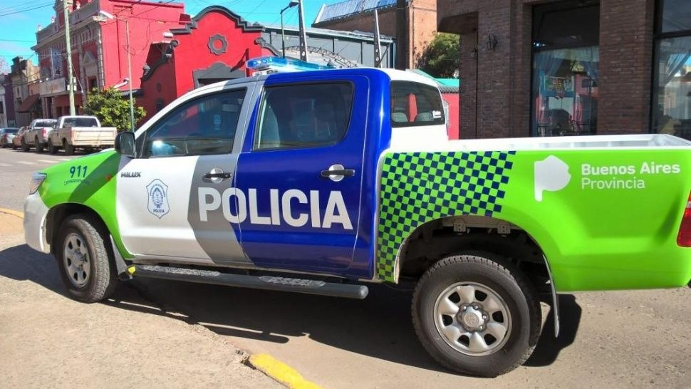 Una mujer fue encontrada degollada, atada y amordazada en un comercio