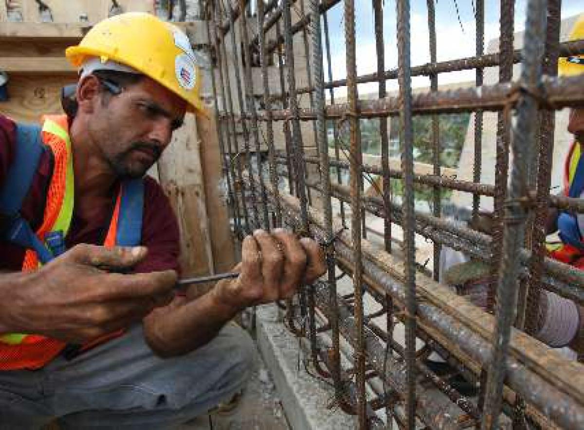 El empleo registrado en la construcción creció casi 12%