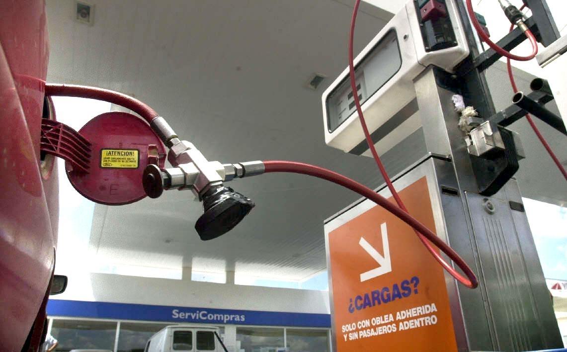 Luego del tarifazo anunciado por Aranguren, mañana aumentará el GNC un 15%