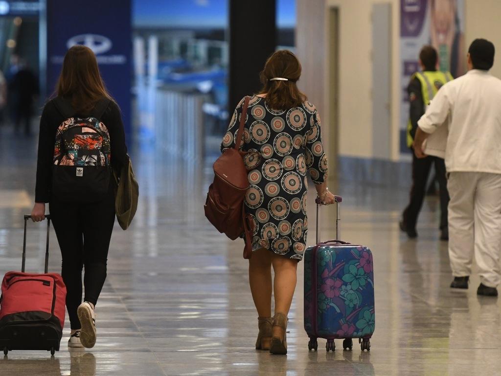 Demoras y cancelaciones en varios aeropuertos por el temporal
