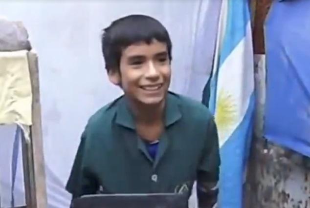 Tiene 12 años, fundó su propia escuela y le enseña a sus vecinitos — San Juan