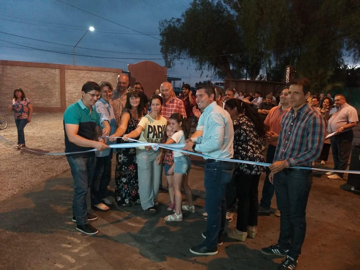 Santa Lucía: inauguraron obras de pavimentación en el barrio Solares - Diario La Provincia SJ