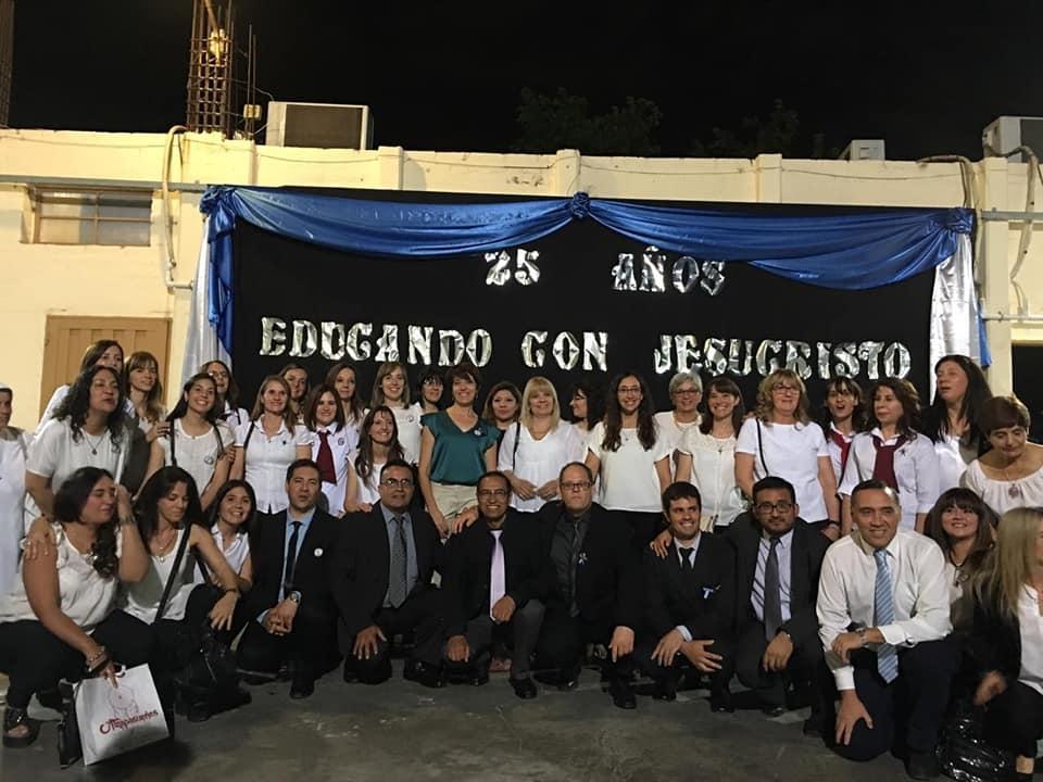 Santa Bárbara: un colegio que nació gracias a la comunidad de padres y cumple 25 años - Diario La Provincia SJ