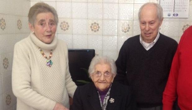 Fallece abuelita al saber que su esposo había muerto
