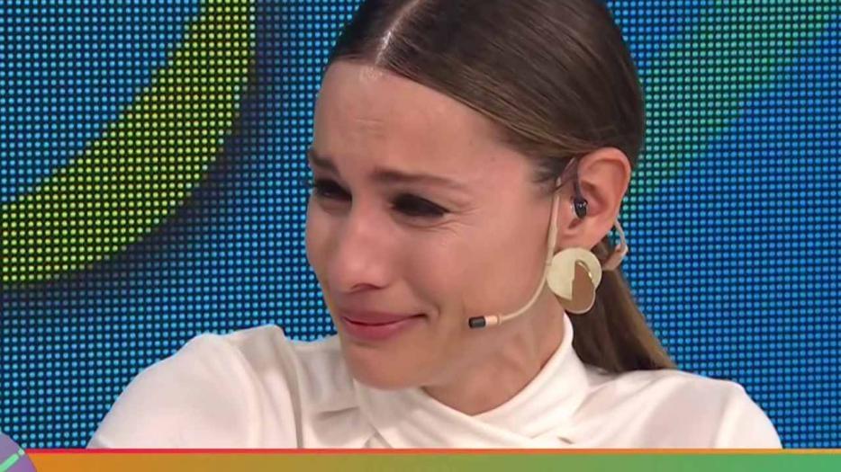 Pampita emocionada: lloró en su programa al hablar sobre las tragedias personales