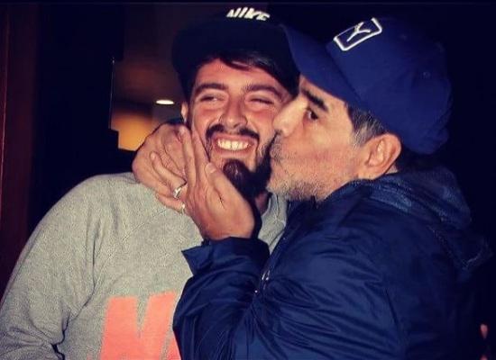 La desgarradora despedida de Dalma Maradona a su padre — Dramático