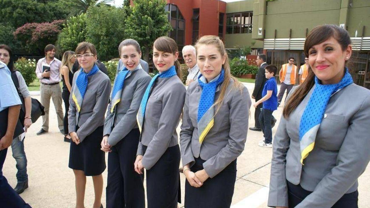 Resultado de imagen para aerolíneas argentinas azafatas