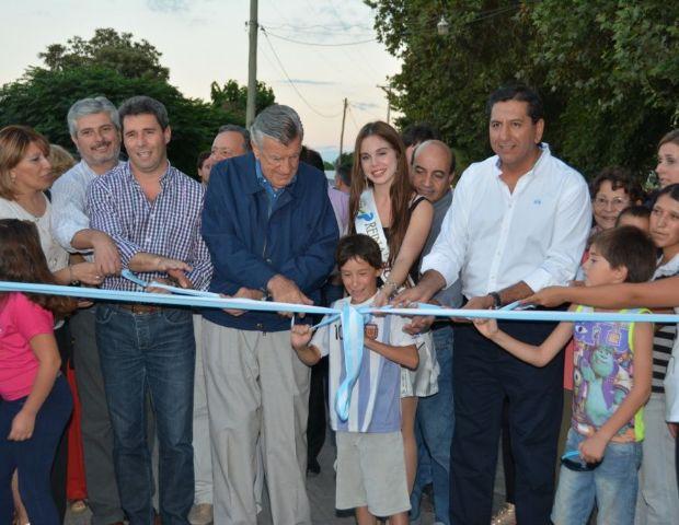 Inauguraron obras de pavimentación en la zona este de Pocito - Diario La Provincia SJ