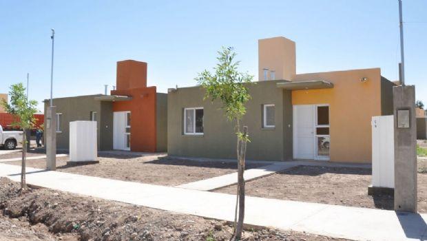Nación destinará $600 millones más en viviendas para San Juan con el fin de saldar la deuda