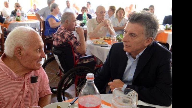 326711ce274e El presidente Macri visitó un hogar para adultos mayores en Buenos Aires