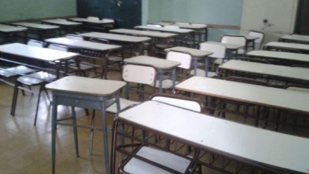 Bajo acatamiento al paro docente en San Juan
