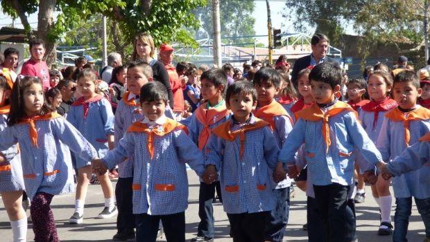Chimbas jardines de infantes homenajearon a los hombres y for Canciones de jardin de infantes argentina