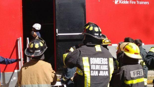 Bomberos de Chimbas, Pocito, Albardón y Capital se capacitan en el CEMEC