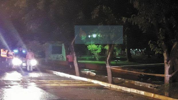 Un rayo mató a un joven mientras esperaba a su novia en la plaza del Barrio Camus