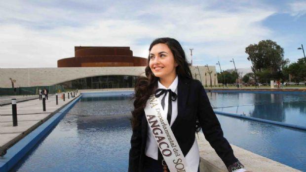 ¿Quién es Antonela González, la ex reina que sufrió un ACV?