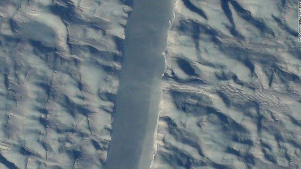 Groenlandia: preocupa una nueva grieta en uno de los glaciares más grandes