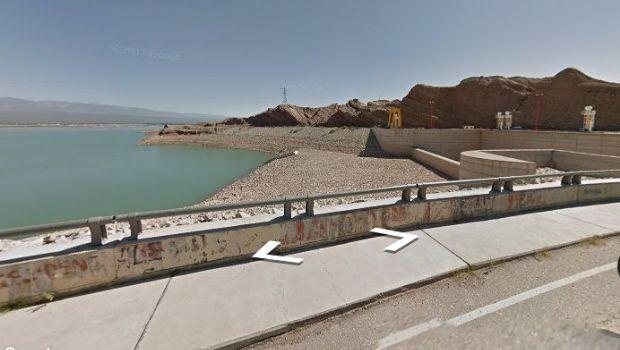 El epicentro del sismo fue a la altura del paredón del dique y Gobierno salió a recorrer Ullum