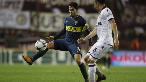 Sobre el final, Benedetto le dio la victoria a Boca ante Lanús