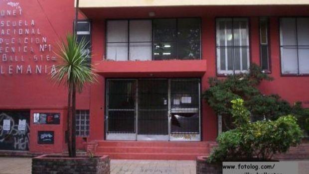 Alambrar n las ventanas de una escuela para evitar - Evitar condensacion ventanas ...