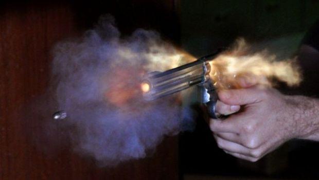 El dueño de una ferretería mató a un ladró e hirió a otro