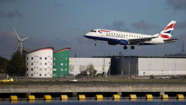 Cerró el aeródromo de Londres, tras hallar una bomba de la Segunda Guerra Mundial