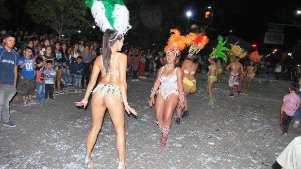 Jáchal se vistió de color para vivir el carnaval