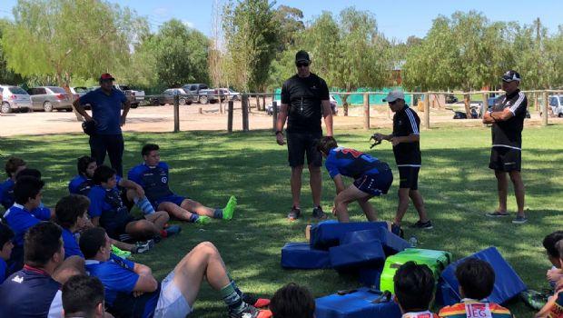 Minas Argentinas organizó una clínica de Rugby para entrenadores y jugadores locales
