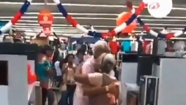 Video: abuelos bailaron en el súper